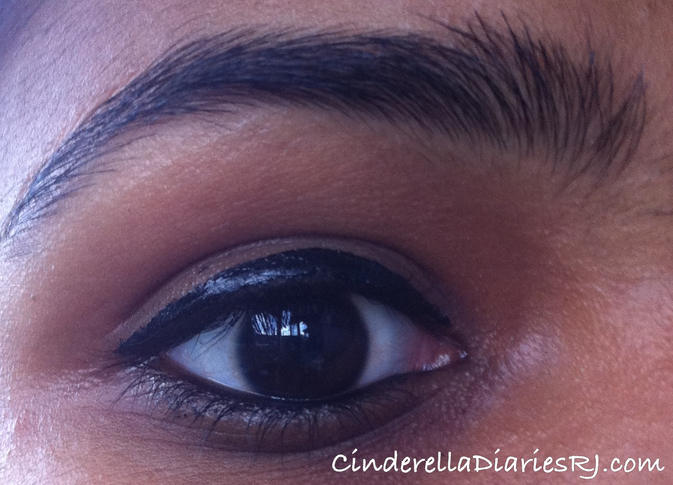 Maybelline Hyper Glossy Electrics Liquid Liner Review Black Lazer Ink Eye The Is Intensely And Really You Can See Glossyness Of As Light Hits Your Eyes Due To Effect